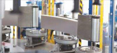Etykieciarka modular fix - platformy samocentrujące i elementy wygładzające